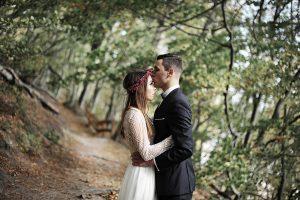 fotograf-ślubny-sesja-w-lesie-i-nad-morzem
